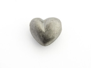 On Wire lås hjerte 16 x 18 mm ridset sort rhodineret sølv