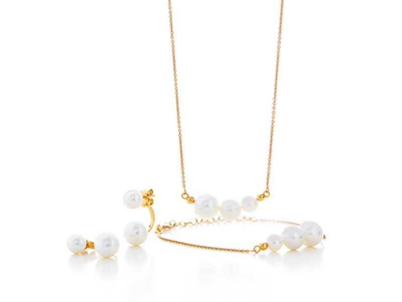 Pearls sæt med ørestik, halskæde og armbånd